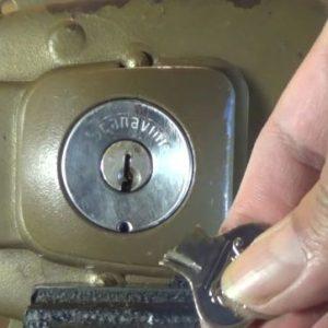 Como sacar una llave partida de una cerradura